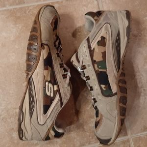 Skechers Tan Camo Womens Lace Up Sneakers